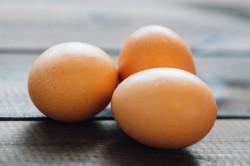 Как яйцом греть нос при насморке